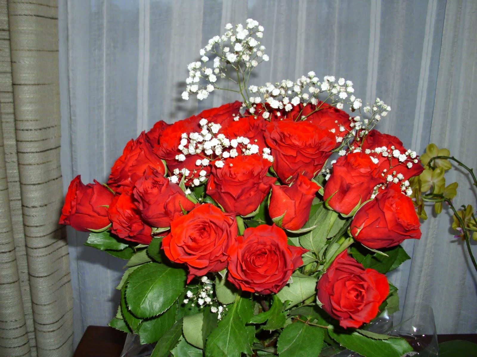 30 trandafiri rosii