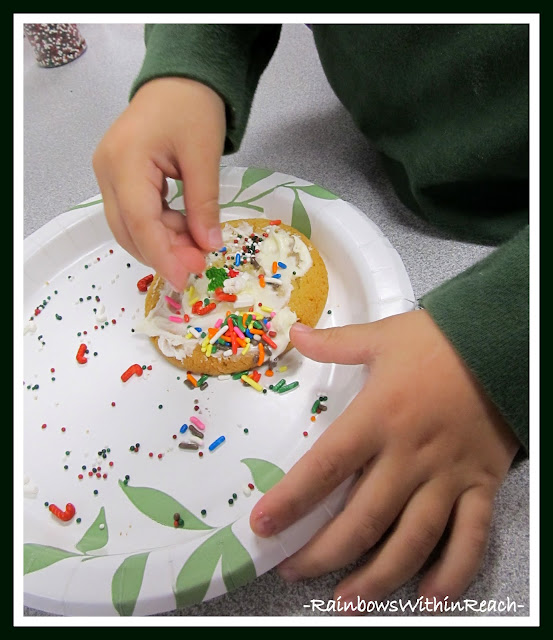 photo of: Pincer Grasp Development for Fine Motor Work via RainbowsWithinReach