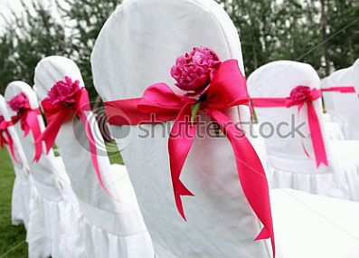 Wedding chairs decorated with ribbons and for Sillas para unas acrilicas