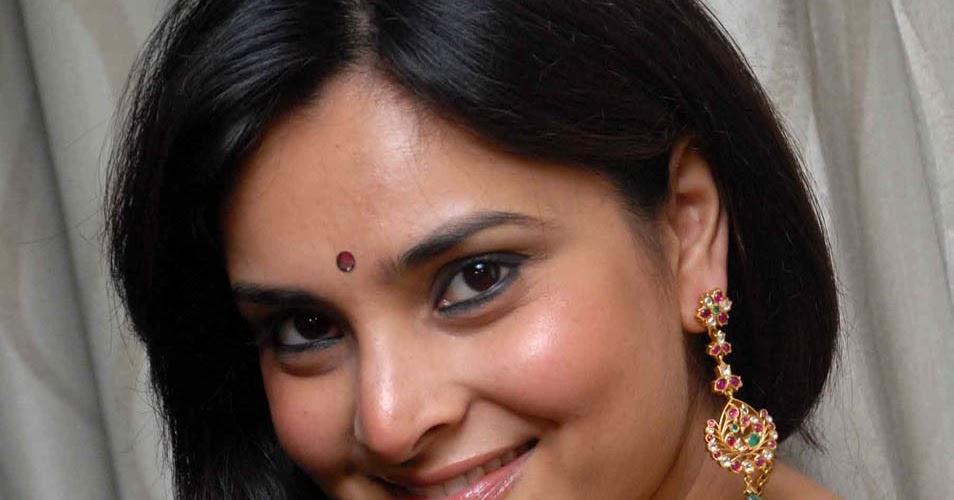 Cute Photos: Actress Divya Spandana At Sanju Weds Geetha