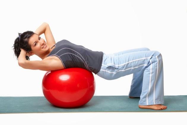 Gunakan bola pilates
