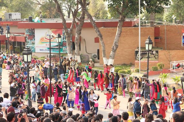 Amritsar, Punjab, India, Travelogue, Wagah Border, Attari Border, India Pakistan Border, Patriotic, BSF, Border Security Force, Pakistan Rangers