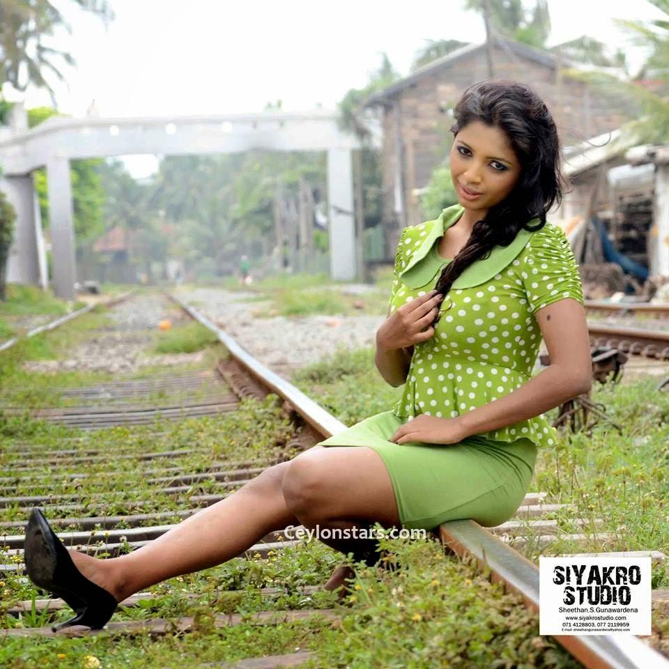 lakshika jayawardhana thighs green