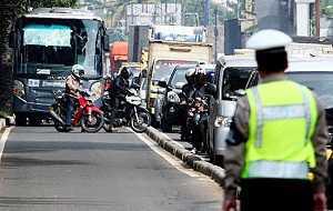 Motor ga Mau Ngalah, motor mau menang sendiri, motor susah di atur, motor bikin macet, motor nyebelin, motor ga disiplin