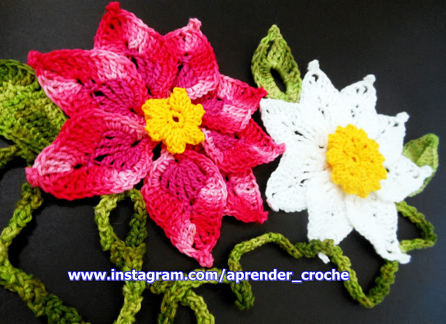 flores em croche para os mosqueteiros