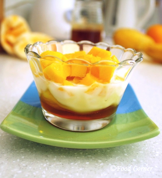 Mango with Honey and Yogurt