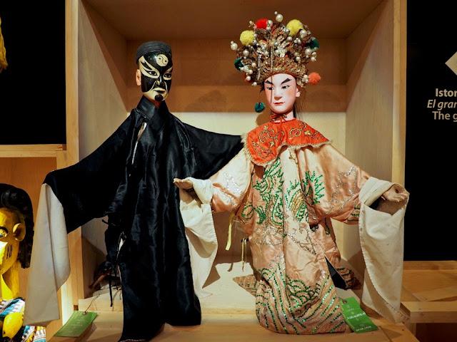 Pareja de marionetas de China en el TOPIC de Tolosa