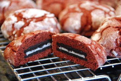oreo-stuffed red velvet crinkles