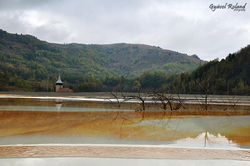 Rosia Poieni Geamana village lake