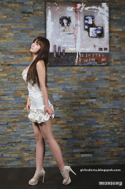 8 Ryu Ji Hye-Strapless bubble Mini Dress-very cute asian girl-girlcute4u.blogspot.com
