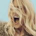 Ellie Goulding lança 'Something In The Way You Move', mais uma amostra do que podemos esperar do disco 'Delirium'