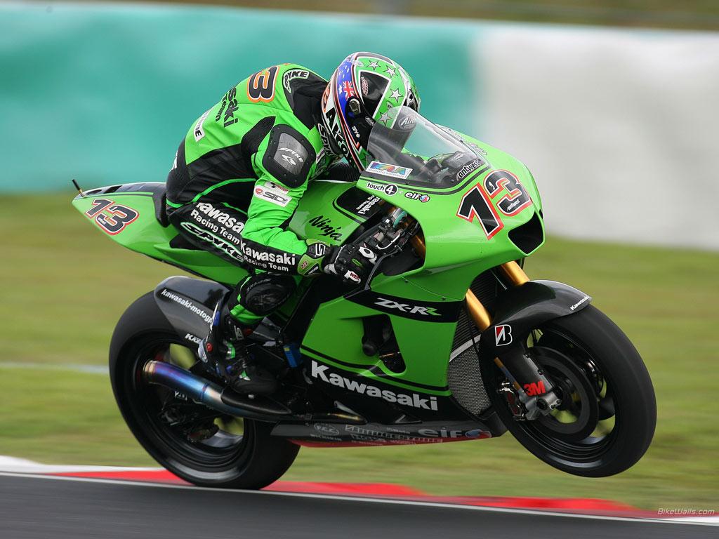 http://3.bp.blogspot.com/-qZNwZEDHEDM/ThwY3fI8RfI/AAAAAAAAAtA/bOtWrmBBmfw/s1600/Kawasaki+MotoGP+Race+Sepang2+2007.jpg