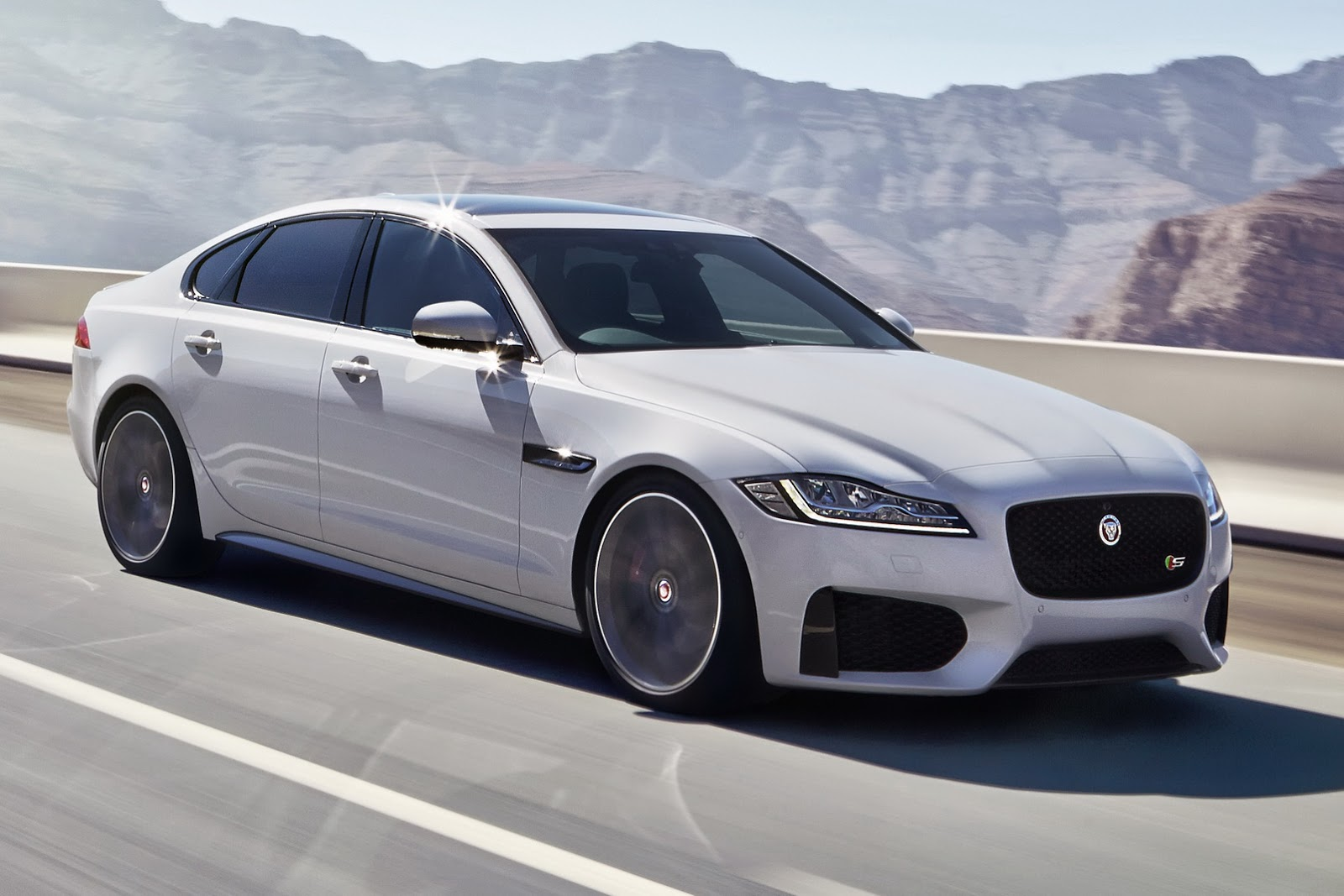 Jaguar S 2016 Xf May Be All New But It Looks Overly Familiar Carscoops