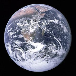 1972 – Apollo 17 Mürettebatı Tarafından Mavi Bilye İsimli Fotoğrafın Çekilmesi
