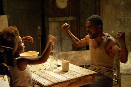 Hushpuppy (Quvenzhan Wallis) y su padre Wink (Dwight Henry) en &quot;Bestias del Sur Salvaje&quot;