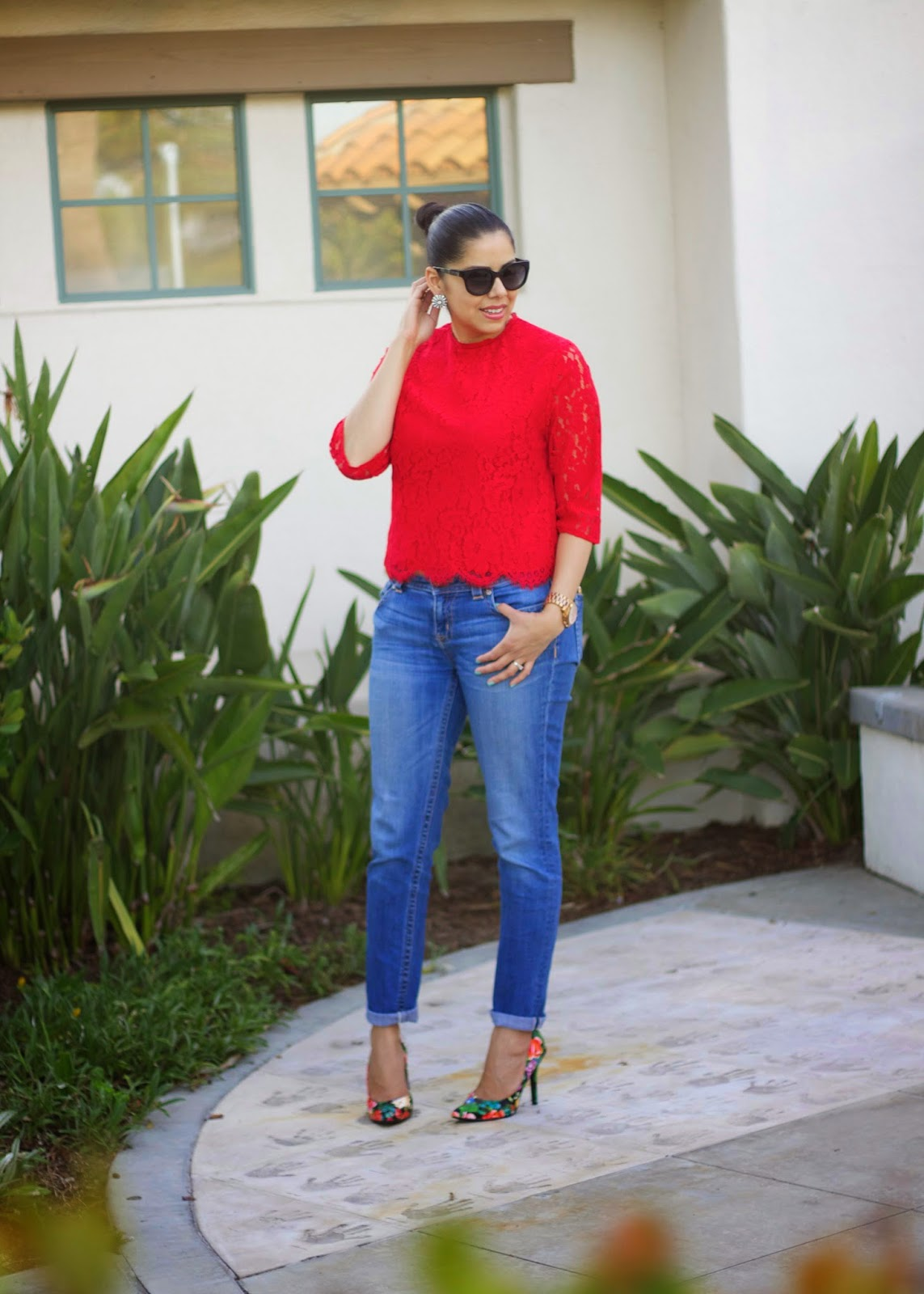 Red H&M Lace Top, Casual Cocktail attire, Jeans and floral heels, San Diego Fashion, Charlotte Russe Floral Heels