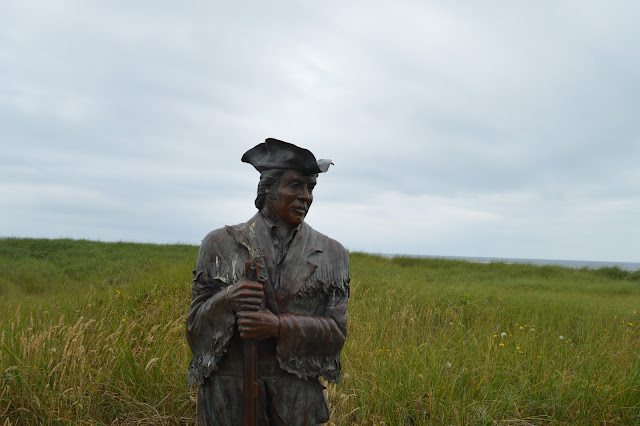 "Discovery trail. Sculpture ""Captain Clark & sturgeon"""