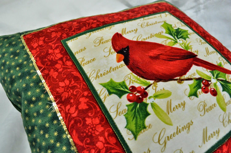красно-зеленая подушка