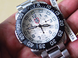 LUMINOX CHRONOGRAPH WHITE SILVER DIAL - STEEL CASE - BRACELET