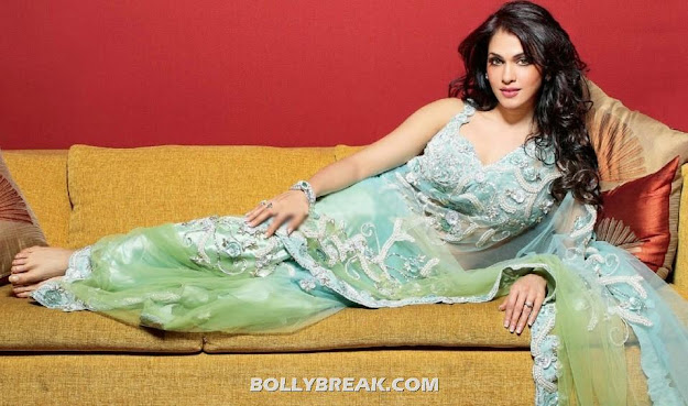  Isha Koppikar in Hot Green Saree - HD Wallpaper Hello Magazine -  Isha Koppikar&#8217;s Hello! India Magazine HQ Scans &#8211; July 2012