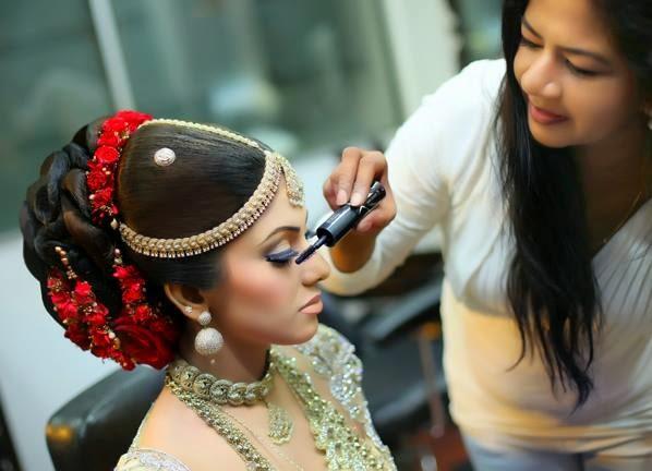 How To Do Kandyan Bridal Makeup : Nathasha Perera Wedding Photos Sri Lanka Hot Picture ...