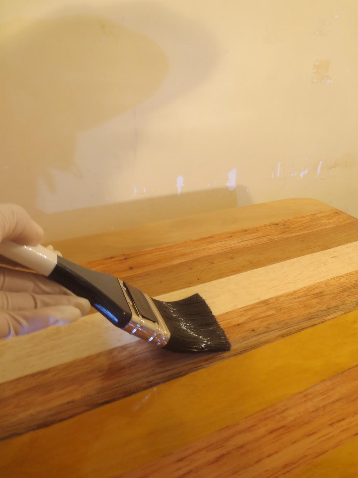 Decoraciones manualidades en madera como aplicar el - Como barnizar con brocha ...