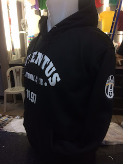 Detail gambar photo jaket sweater Juventus Fc 1897 warna hitam toko online terpercaya enkosa sport di tanah abang jakarta pusat