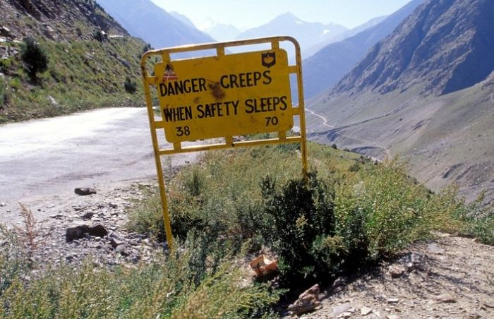 Most Unusual Road Signs Of Leh Manali Highway Damn Cool