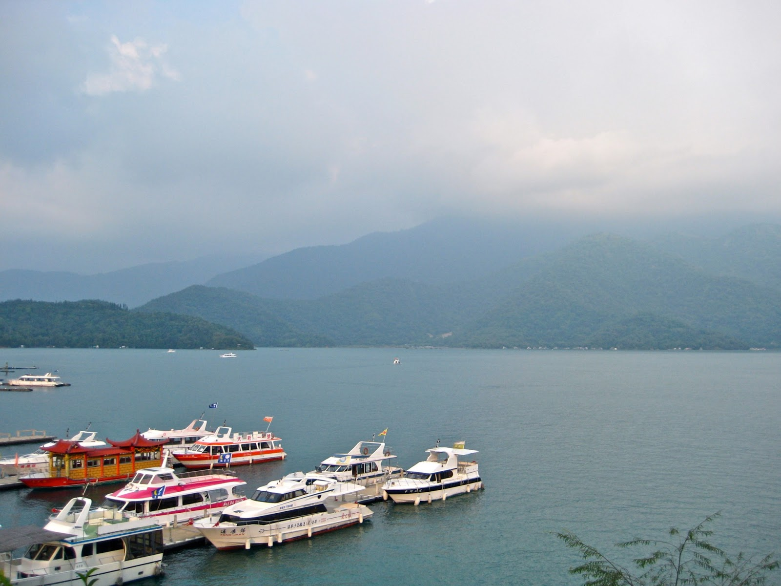 the beautiful environment around ub China's vast and diverse territory endows the country with some of the most beautiful natural scenery on earth from the picturesque karst landscape in guilin and yanshuo to the precipitous pillars in zhangjiajie, from the colorful lakes in jiuzhaigou to the rainbow mountains in zhangye, china's.
