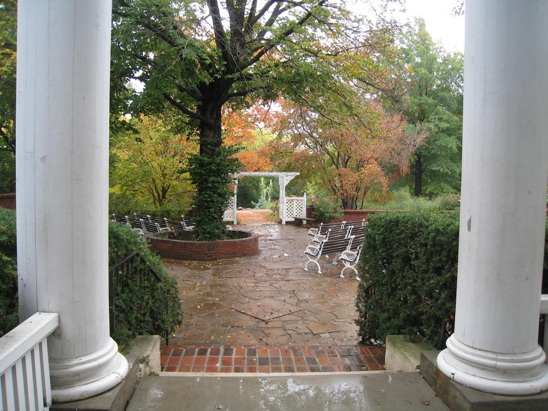 http://3.bp.blogspot.com/-qaRqAVuTqzo/UHno08mMbYI/AAAAAAAAKB8/1FaDBQQzoaE/s1600/Warde-Meade+gardens+straight.jpeg