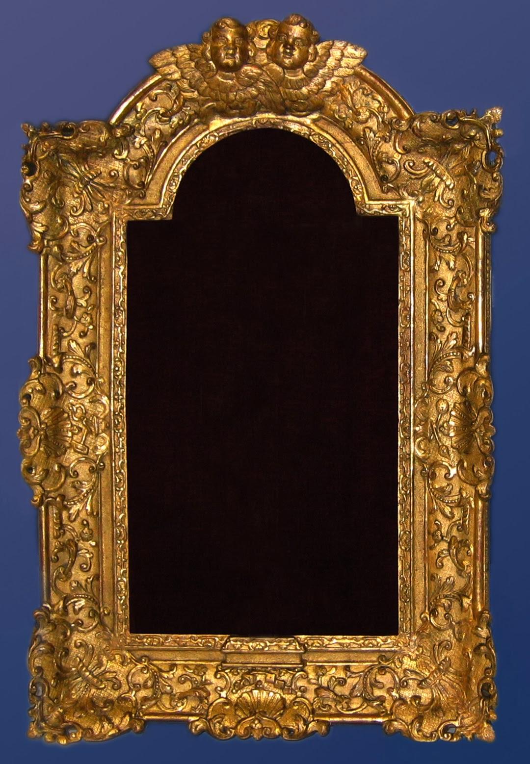 Cadre doré du château de Versailles