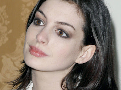 anne_hathaway_face_wallpapers_8654845612141845