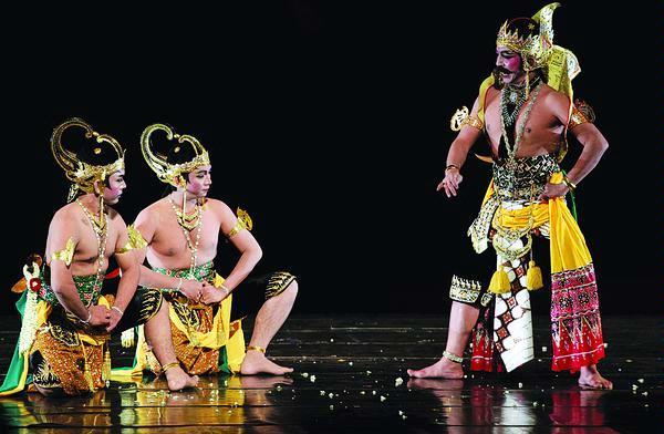 Wayang orang biasa disebut juga Wayang wong dalam istitah bahasa Jawa