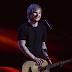 Performance de 'Bloodstream' do Ed Sheeran no palco do BRIT Awards 2015