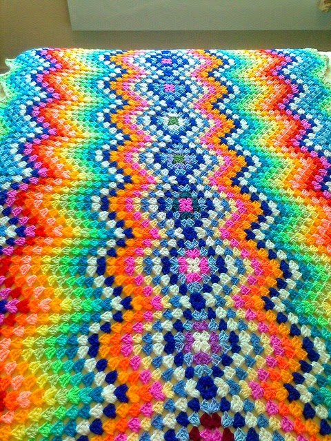 Quilts blankets in with Crochet Point Zig Zag Step by Step. share - Crochet Designs Free