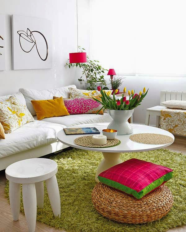Living rooms with spring colors