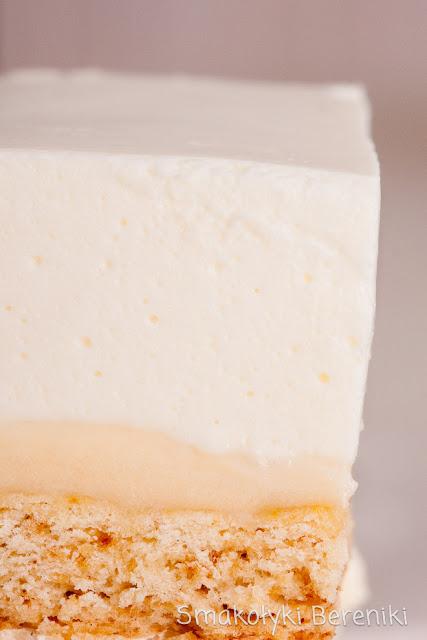 ciasto przekładane jogurtowo-grysikowe