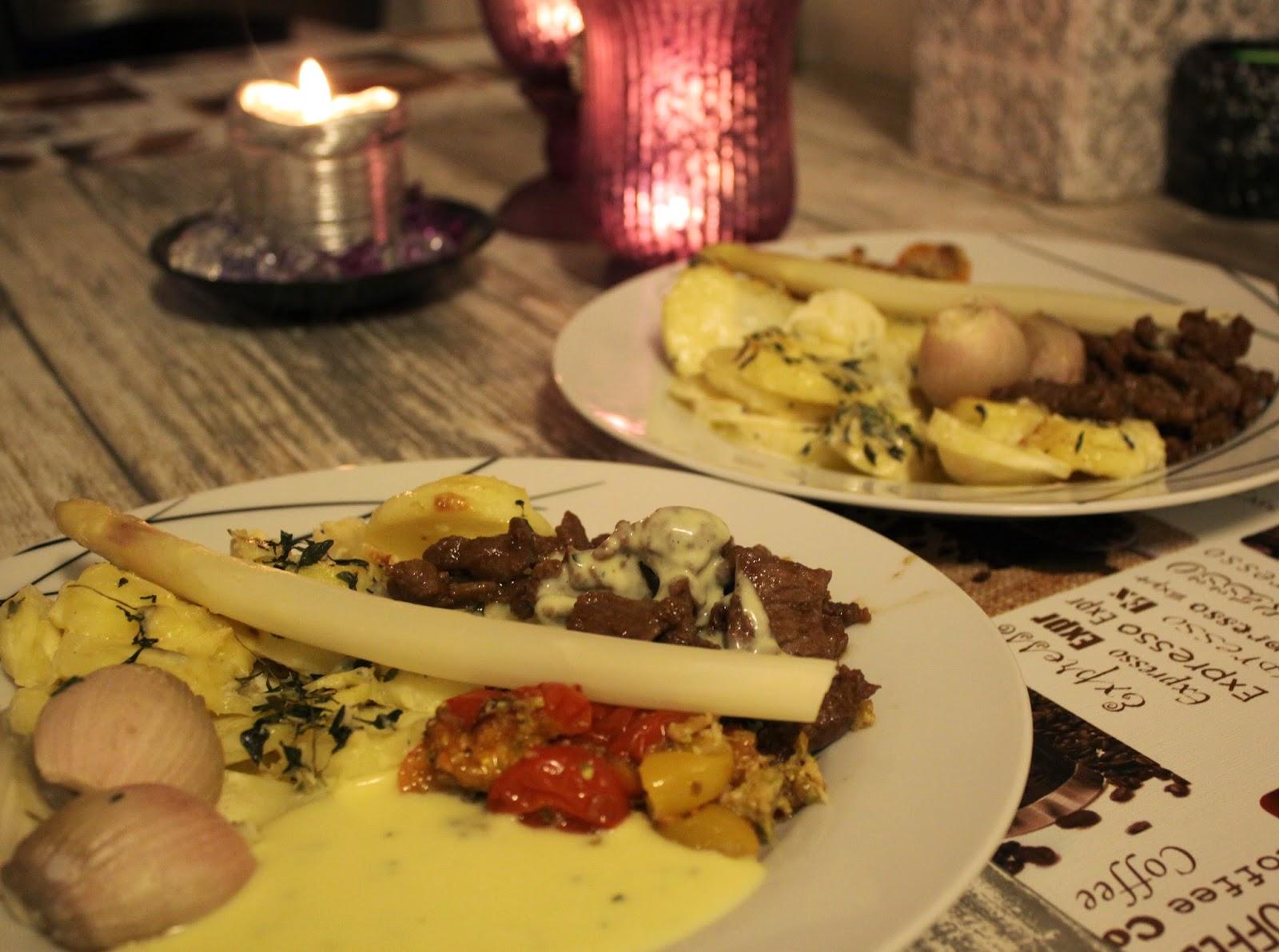 Sdan oprettes en fransk land Dining Room - m