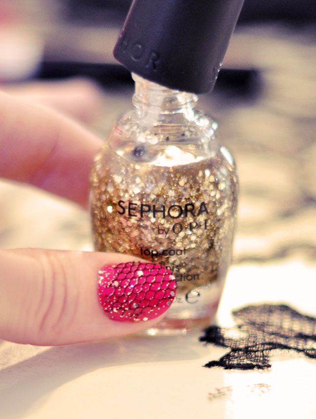 gold glitter nail polish, nail art ideas