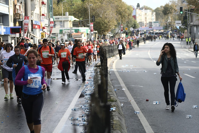 The Istanbul Eurasia Marathon 2012, Runners and THE CAR FREE ROAD!!!!