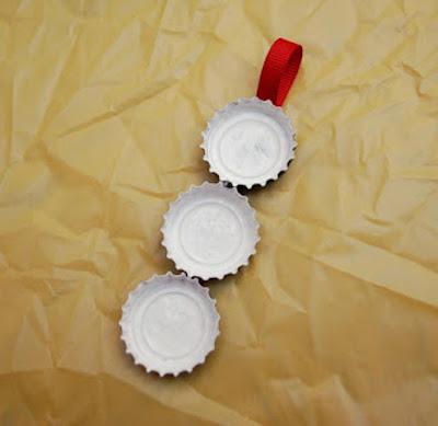Boneco de neve com reciclagem de tampinhas
