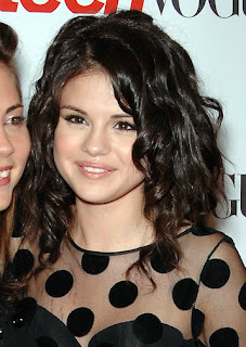 Selena Gomez Medium Short Hairstyles for Teen Girls