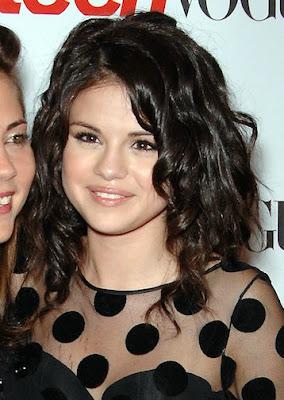 Selena Gomez Medium Short Hairstyles for Teen Girls