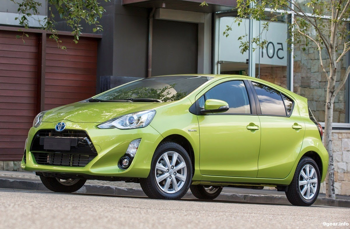 2015 toyota prius c gets facelift and price reduction car reviews new car pictures for 2018. Black Bedroom Furniture Sets. Home Design Ideas
