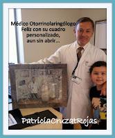 Otorrinolaringólogo con su cuadro