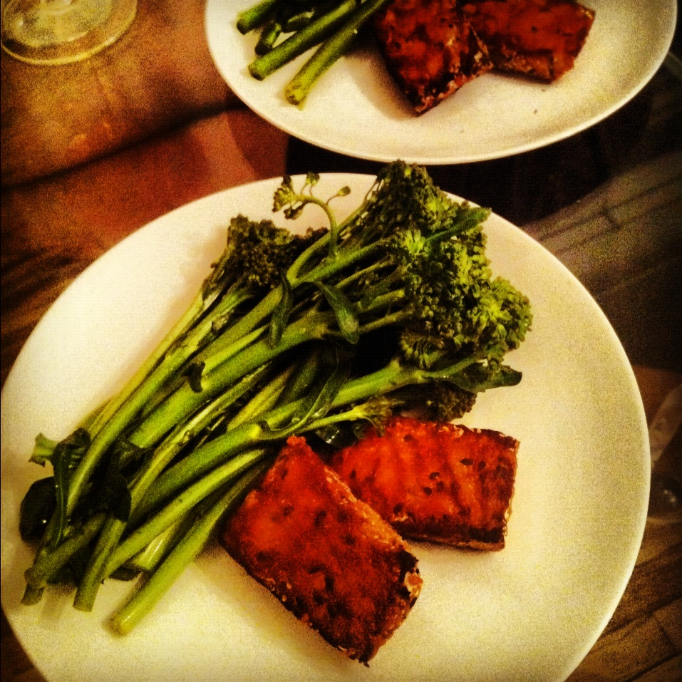 Farshicle: Sirracha Glazed Tempeh and Garlicky Greens