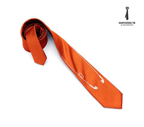 Diseño de corbata con audífonos.
