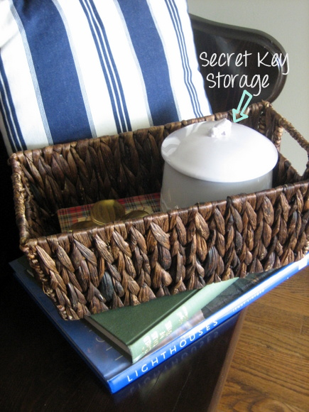 Decorating with a church pew: Simple decor and a secret key storage ceremic canister! | DIY Playbook