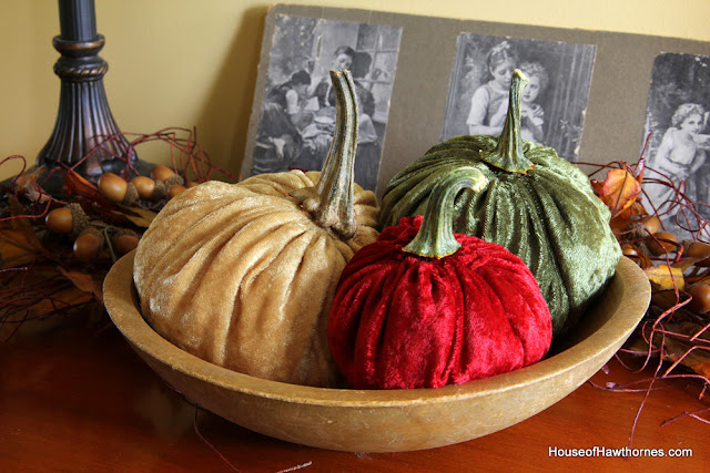 Making velvet or fabric pumpkins for fall. Quick and easy DIY project - from houseofhawthornes.com