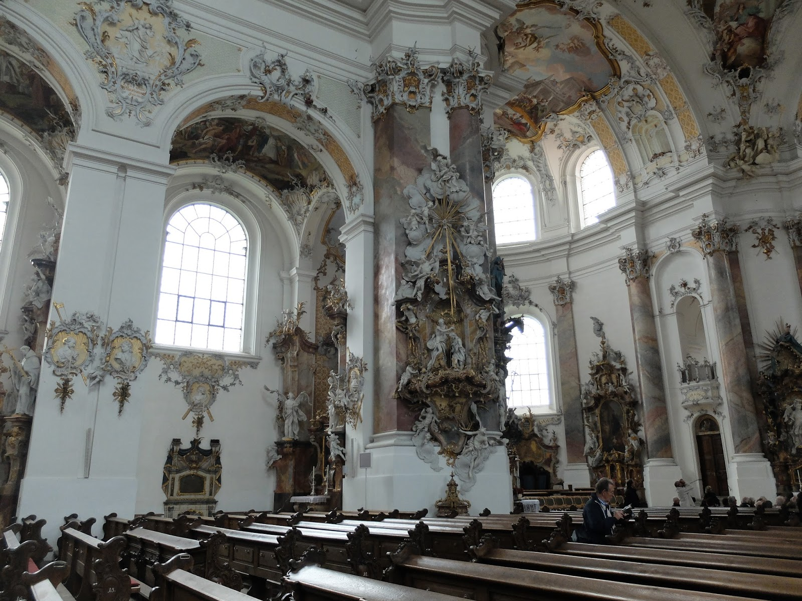 The life of couch church architecture baroque rococco for Modern baroque style